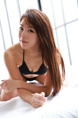 Sumire Noda plays golf in a swimsuit 2021007