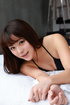Sumire Noda plays golf in a swimsuit 2021009