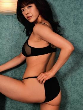 Minami Wachi swimsuit bikini gravure Current college student grador with a mature look004