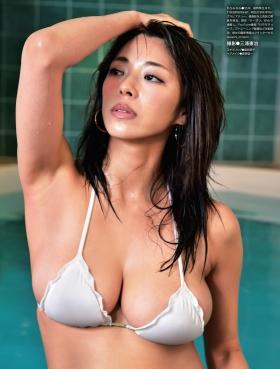 Minami Wachi swimsuit bikini gravure Current college student grador with a mature look006