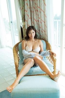 Minami Wachi swimsuit bikini gravure Current college student grador with a mature look008