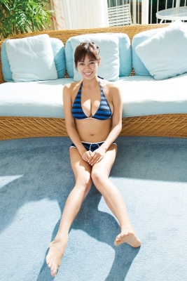 Minami Wachi swimsuit bikini gravure Current college student grador with a mature look011