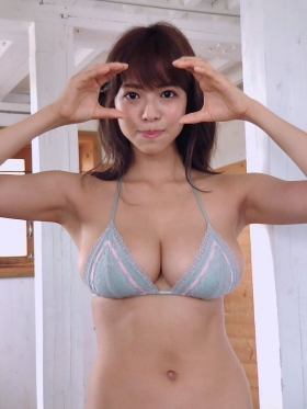 Minami Wachi swimsuit bikini gravure Current college student grador with a mature look023