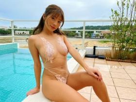 Aya Hazuki swimsuit bikini gravure Daring to put in a photo that might be rejected 2021040