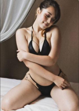 Michelle Aimi swimsuit bikini gravure 20 years old black ship body again 2021011