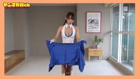 Yuki Mitera in blue swimsuit bikini and table magic 2021057