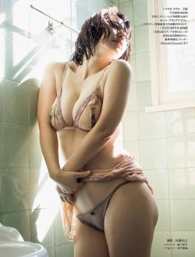 Sayaka Isoyama swimsuit bikini gravure marshmallow body that continues to evolve 2021003
