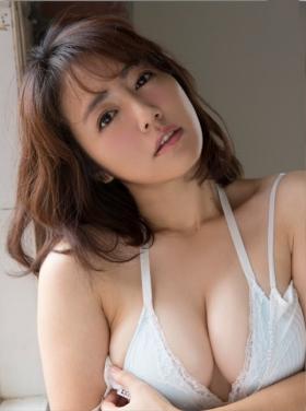 Sayaka Isoyama swimsuit bikini gravure marshmallow body that continues to evolve 2021011