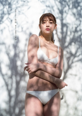 Angela Mei swimsuit bikini gravure 23 year old girl fascinated transformation into an adult 2021003