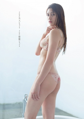 Angela Mei swimsuit bikini gravure 23 year old girl fascinated transformation into an adult 2021004