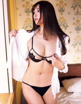 Iroha Yanagi swimsuit bikini gravureHow to make your own bikini041