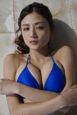 Moemi Katayama swimsuit bikini gravure in blue bikini015