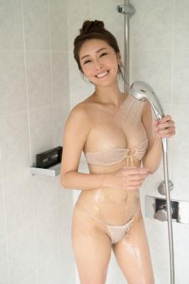 Asami Kumakiri Swimsuit Bikini Gravure She provokes you with her eyes bewitching shot 2021007