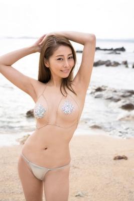 Asami Kumakiri Swimsuit Bikini Gravure She provokes you with her eyes bewitching shot 2021009