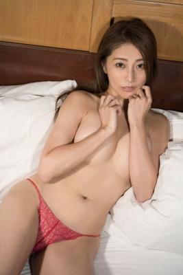 Asami Kumakiri Swimsuit Bikini Gravure She provokes you with her eyes bewitching shot 2021010