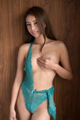 Asami Kumakiri Swimsuit Bikini Gravure She provokes you with her eyes bewitching shot 2021012