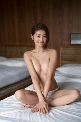 Asami Kumakiri Swimsuit Bikini Gravure She provokes you with her eyes bewitching shot 2021014