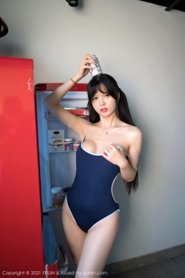 Sexy school swimsuit gravure of Momokako001