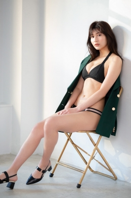 Haruka Arai Black Swimsuit Bikini Stylish and Cute 2021004