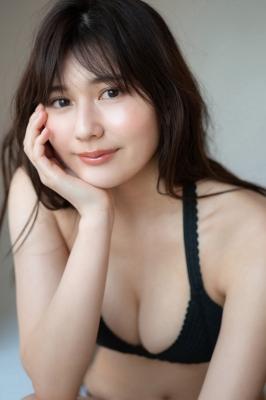 Haruka Arai Black Swimsuit Bikini Stylish and Cute 2021005
