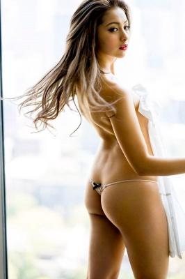 Swimsuit underwear gravure S line drawing fascinating body 2020028