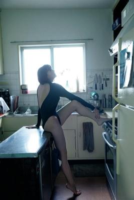 Yukari Oshima swimsuit bikini gravureI couldnt imagine her as a station announcer005