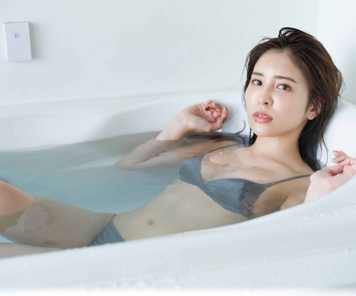 Kaho Momoi Swimsuit Bikini Gravure After Breakfast 2021009