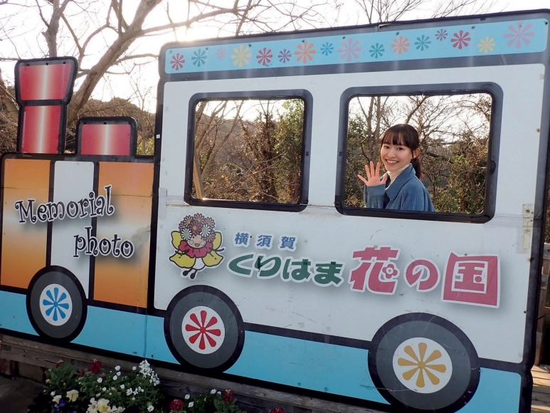 Kanami Takasaki Two-day onenight trip with a female reporter for two girls and a child 2021010