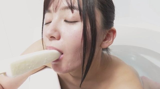 Ayana Nishinaga the 2nd Sunspot GoGo Queen takes off her naughty clothes 2021013