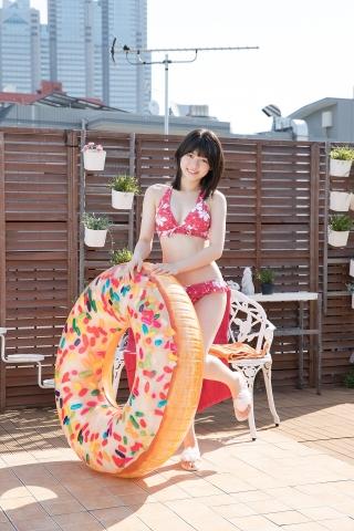 Risa Sawamura Floral Frilled Bikini009