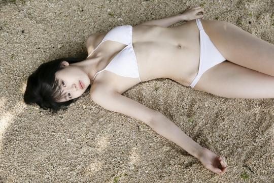 Jyuzu Asakura 18 years old White swimsuit bikini Tsubaki Factory in Okinawa023