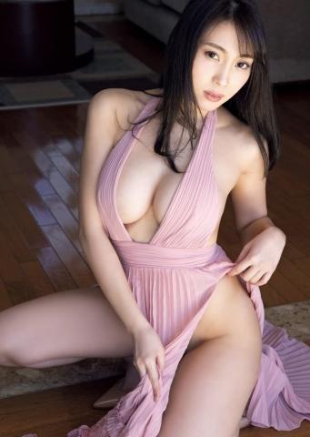 Tomomi Morisakis BODY is the pinnacle of eroticism010