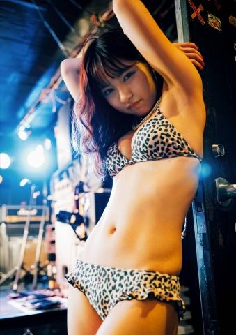 Swimsuit bikini gravure Here is Shimokitazawa in Tokyo016