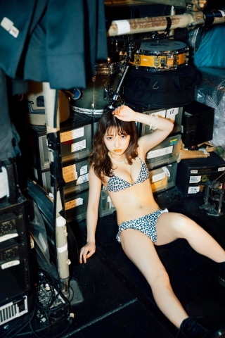 Swimsuit bikini gravure Here is Shimokitazawa in Tokyo029