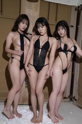 Ummi Shinonome Shiro SeyamaChitoseYoshinoswimsuit bikini gravure 3 girls withpowerful BODY 2021018