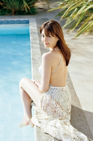 Reina Triendl swimsuit bikini gravur Fairy body in a new world011