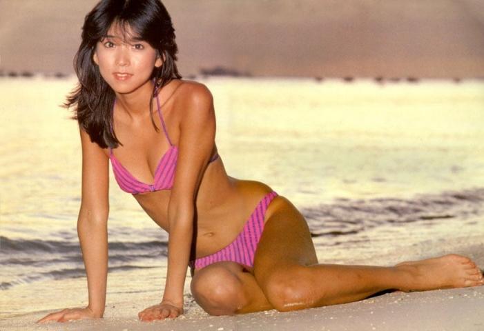 Naomi Kawashima swimsuit bikini gravure Idol birth001