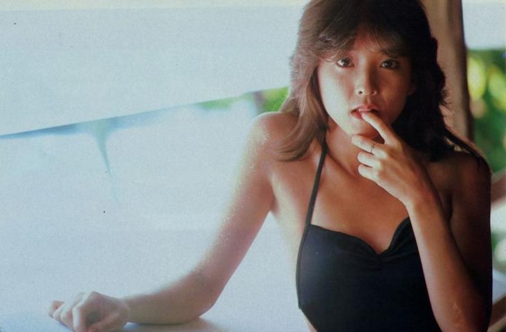 Naomi Kawashima swimsuit bikini gravure Idol birth005