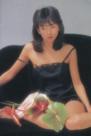 Naomi Kawashima swimsuit bikini gravure Idol birth031