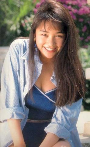 Hikaru Nishida swimsuit bikini gravure 1988 debut035