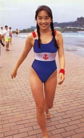 Hikaru Nishida swimsuit bikini gravure 1988 debut047