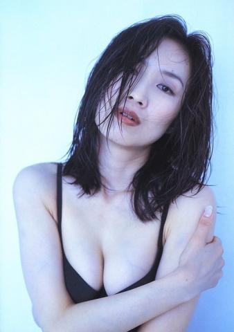 Moriguchi Hiroko swimsuit bikini gravure 1985 debut001