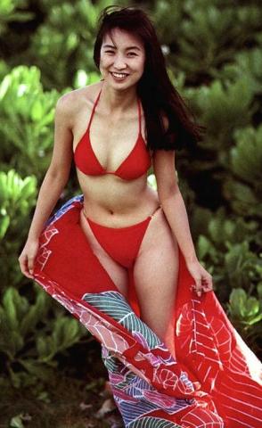 Moriguchi Hiroko swimsuit bikini gravure 1985 debut008