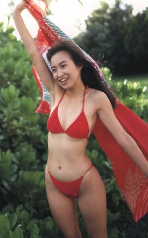 Moriguchi Hiroko swimsuit bikini gravure 1985 debut009