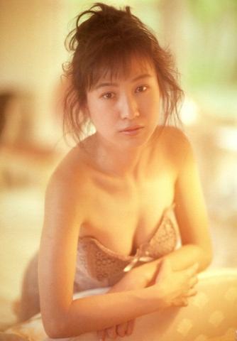 Moriguchi Hiroko swimsuit bikini gravure 1985 debut020