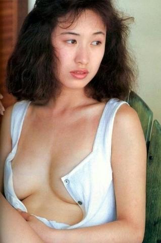 Moriguchi Hiroko swimsuit bikini gravure 1985 debut025