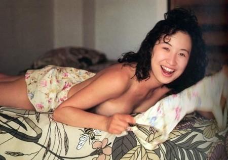 Moriguchi Hiroko swimsuit bikini gravure 1985 debut029
