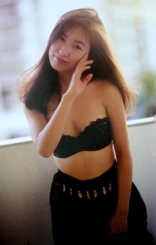 Moriguchi Hiroko swimsuit bikini gravure 1985 debut035