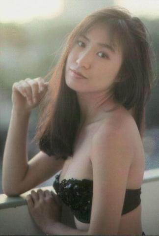 Moriguchi Hiroko swimsuit bikini gravure 1985 debut036
