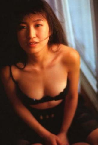 Moriguchi Hiroko swimsuit bikini gravure 1985 debut037